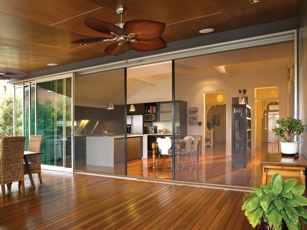 Centor retractable screens hanlon windows australia for Windows with retractable screens