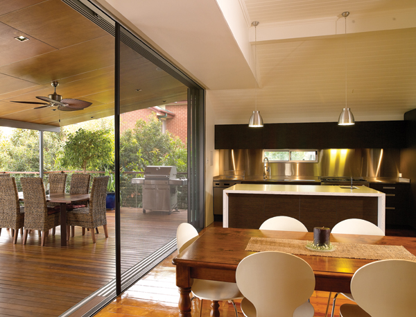 Centor Retractable Screens Hanlon Windows Australia